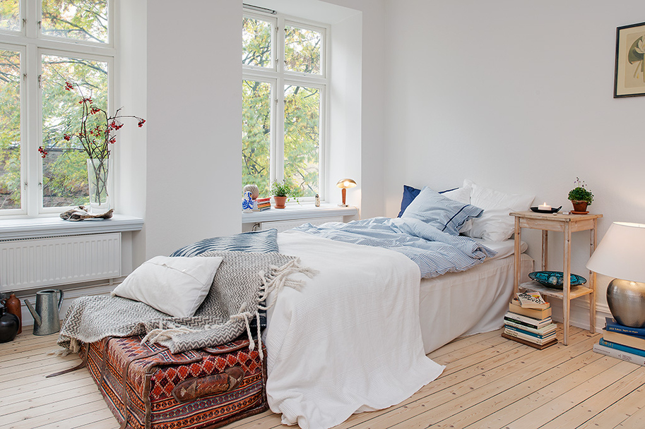 Soothing Ambience Inspired by Small One-Room Apartment in Gothenburg