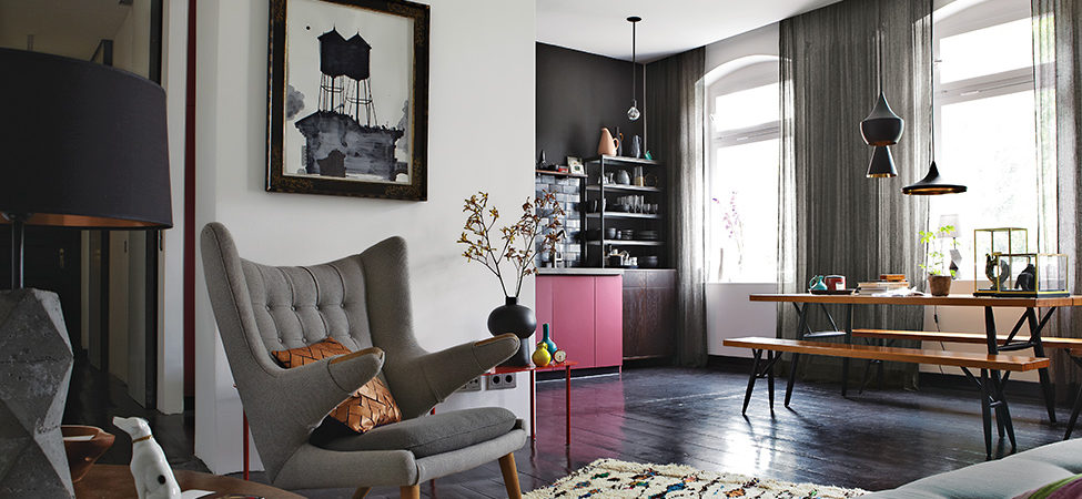 "Stylish and ""Dramatic"" Apartment in Berlin Designed by Peter Fehrentz"
