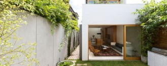 Nature-Invaded Dwelling in Sydney, Australia: Bondi House