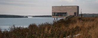 Two-Storey Cliff House in Nova Scotia Designed as a Peaceful Retreat