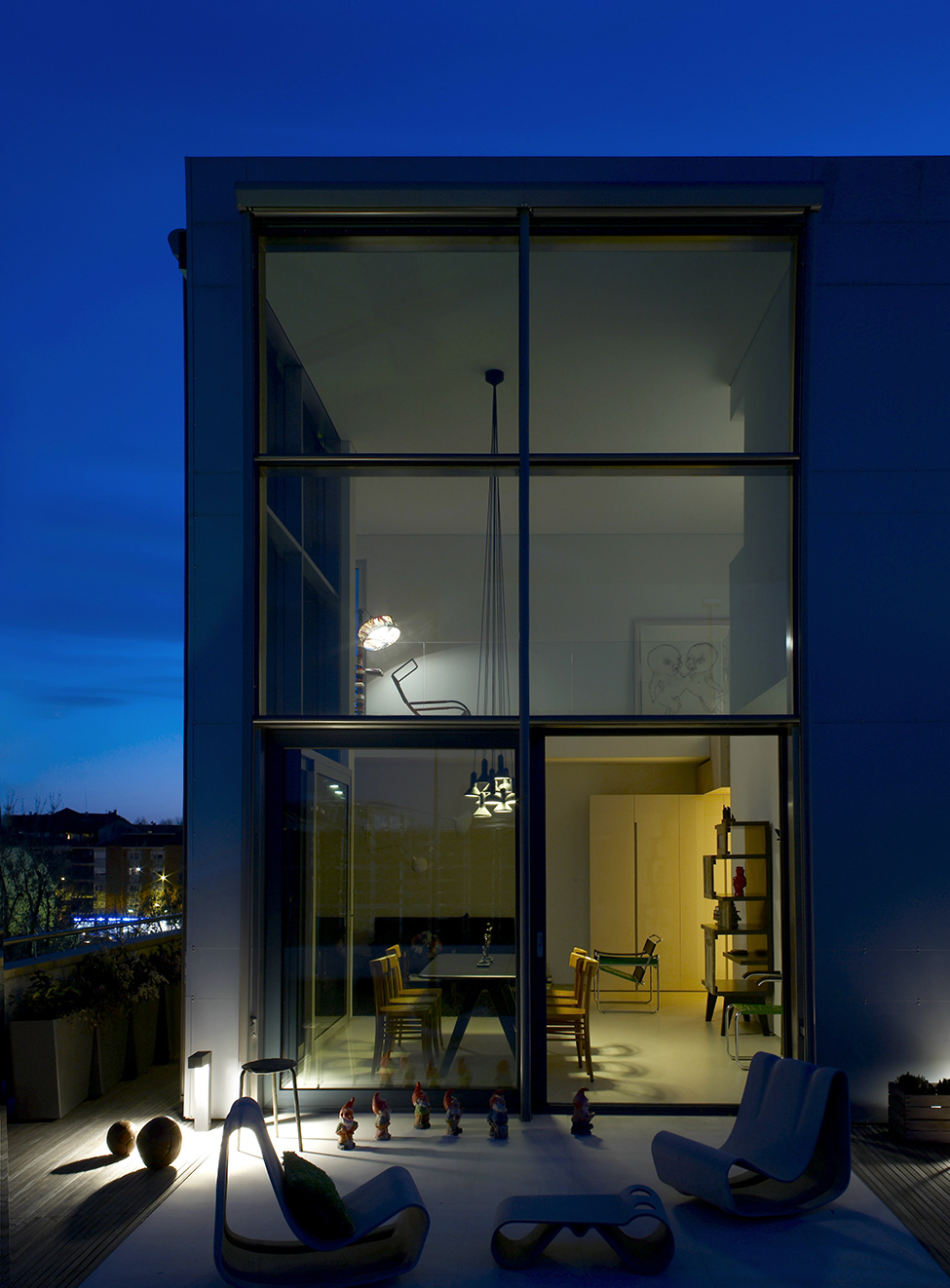 Emotion Versus Reason: Private Penthouse in Turin by Uda Architetti