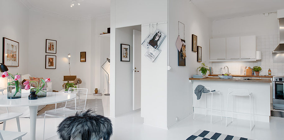 Single Room Apartment With an Interesting Layout in Gothenburg, Sweden