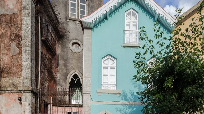 Striking Historical Building Renovation in Portugal: The Three Cusps Chalet