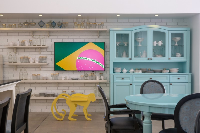 Unconventional Furniture Showroom With A Powerful Brazilian