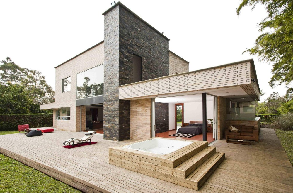 Project Inspiring Serenity: Olaya House Near Medellin, Colombia