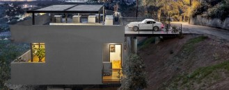 Original Roof Car Park Defining Contemporary Residence in LA