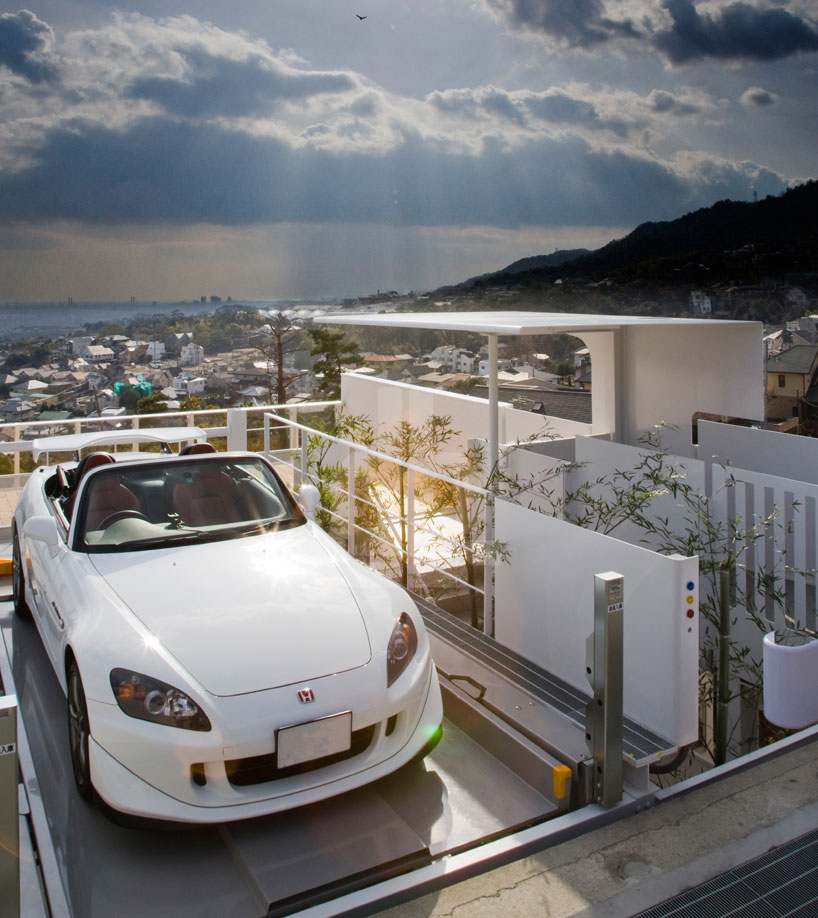 Hillside Home In Japan Cleverly Exhibiting The Owner S Car