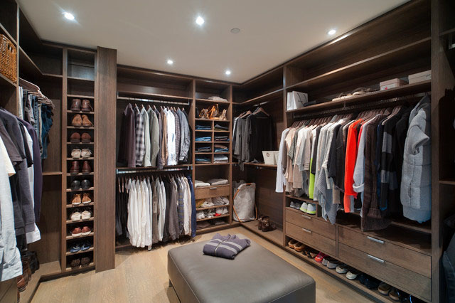 Walk-in Closet for Men - Masculine closet design (16)