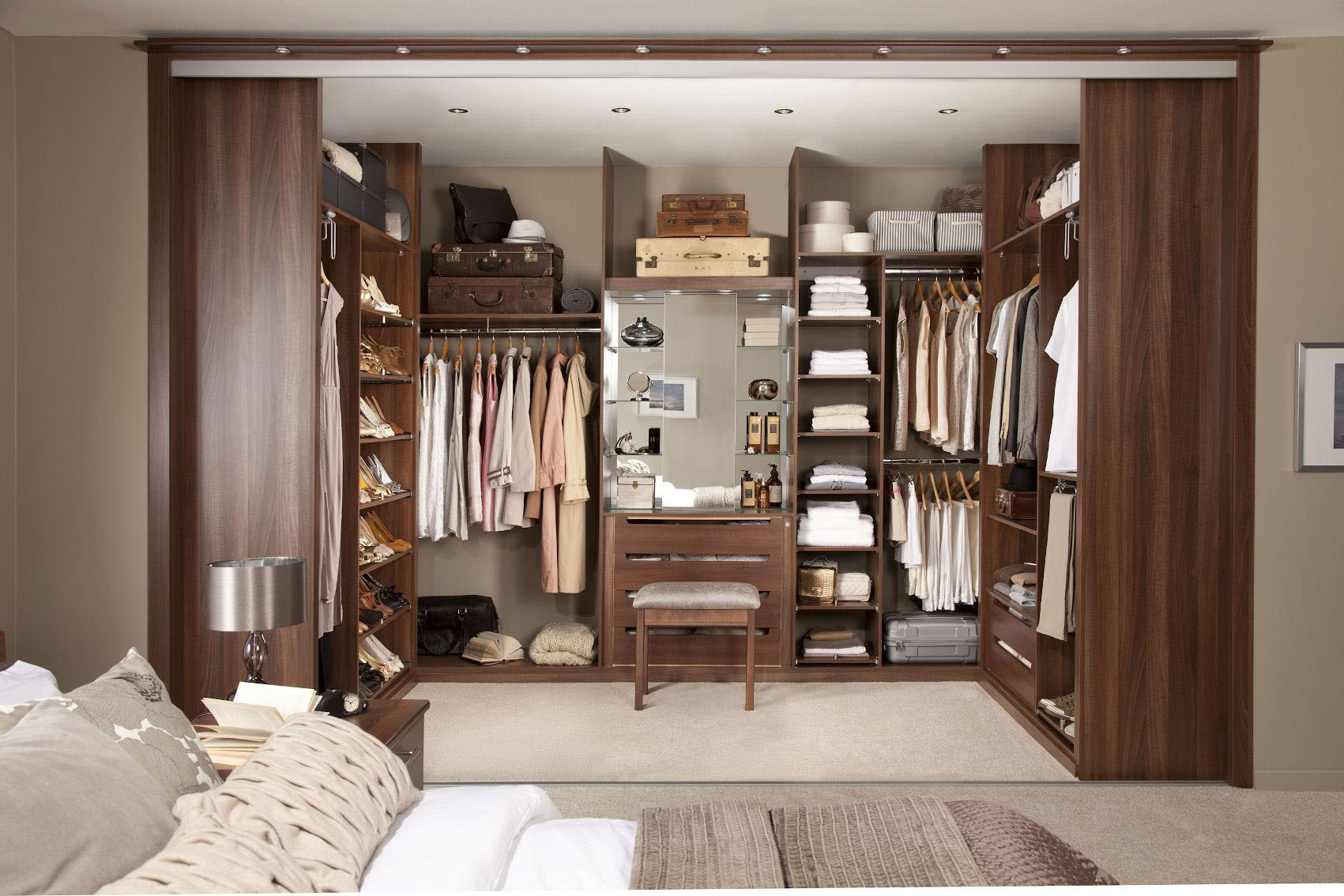 Walk-in Closet for Men - Masculine closet design (22)