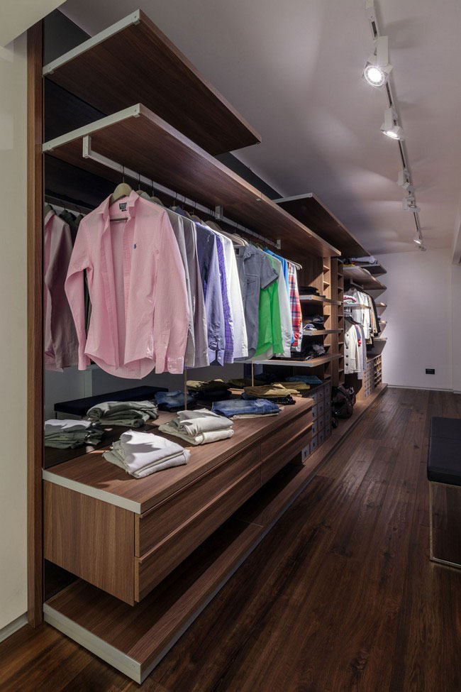 Walk-in Closet for Men - Masculine closet design (8)