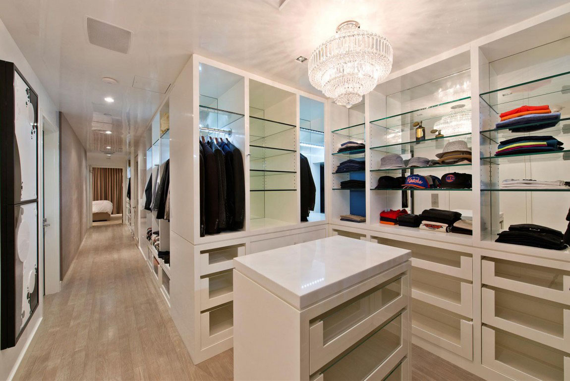 Walk-in Closet for Men - Masculine closet design (9)