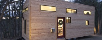Charming Small Home on Wheels Priced $33,000 [Video]
