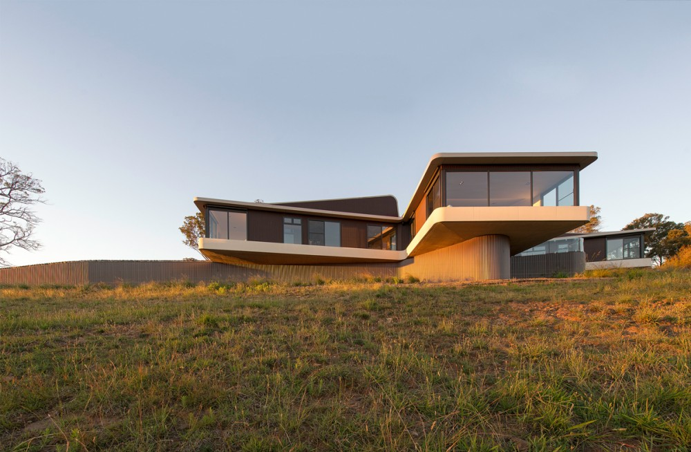 Modern Countryside House with Unique Views of the Meadows ...