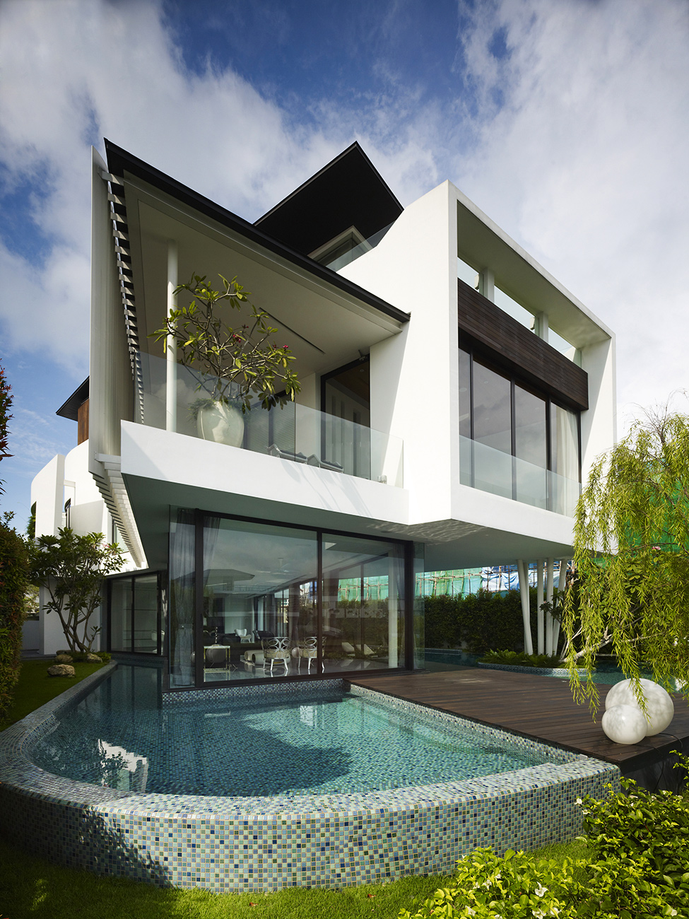 Luxury mansion in singapore with an appealing - Casas economicas y modernas ...