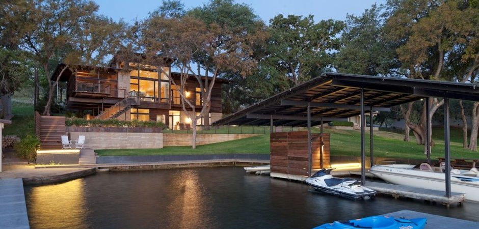 Compact Relaxing Home for the Weekend: Lakeside Retreat in Texas
