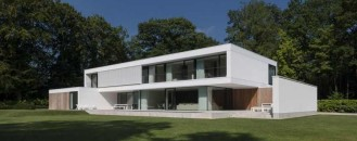 60's Bungalow Completely Transformed Into Modern House in Bruges