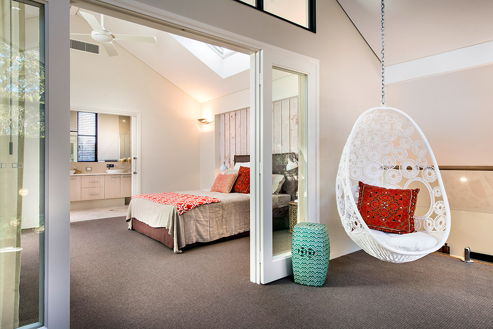 Bedroom and suspended egg chair