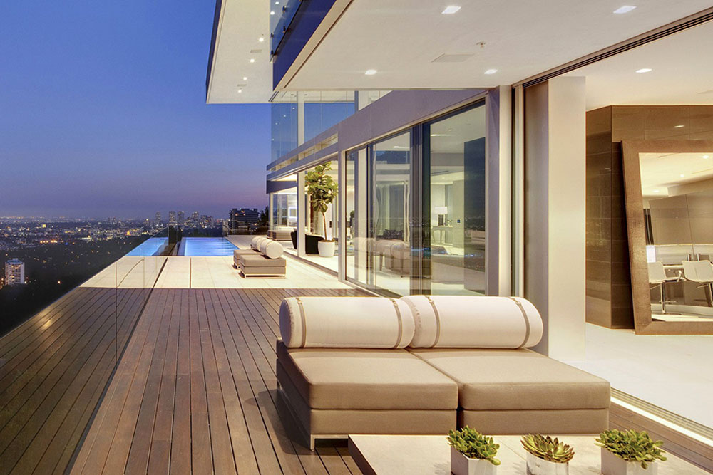 The Essence Of Modern Living Above La Luxury Mansion In