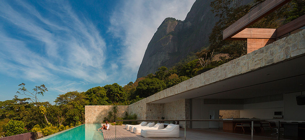 How Dreams Become Residential Structures:Luxury Villa in Brazil