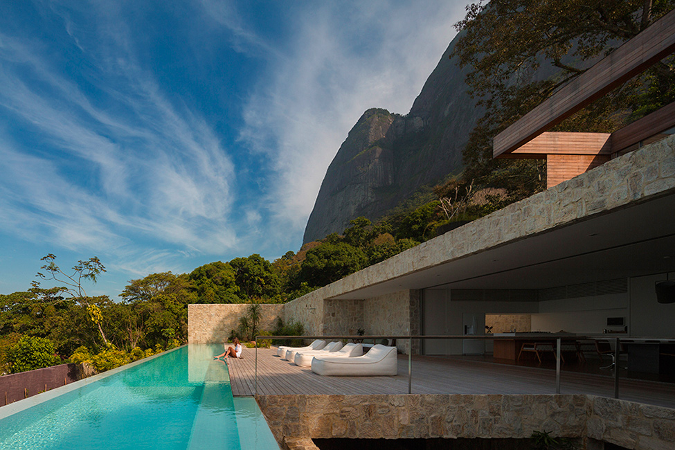 How Dreams Become Residential Structures: Luxury Villa in Brazil