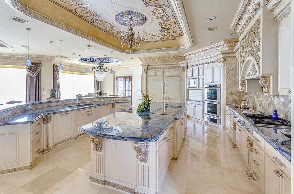 Perfectly Designed Texas Luxury Property Sends Shivers Down Your - Luxurious-kitchen-design-property