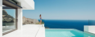 Timeless Villas on Spain's Costa Blanca Absorbing Unrestrained Panoramas