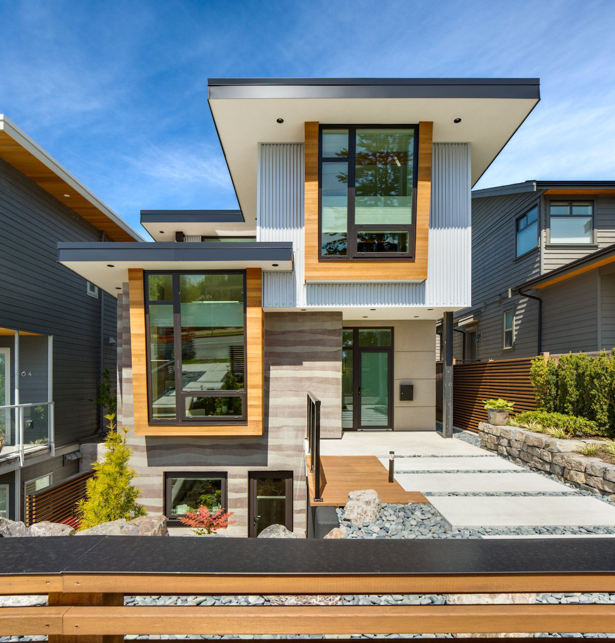 Award Winning Small Home Designs: Award-Winning High-Class Ultra Green Home Design In Canada