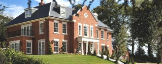 Luxury Five- Bedroom Country House With Spectacular Views in England
