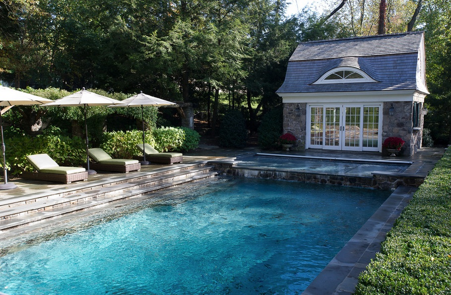 10 Pool Maintenance Tips That You Need To Try Right Now | Freshome.com