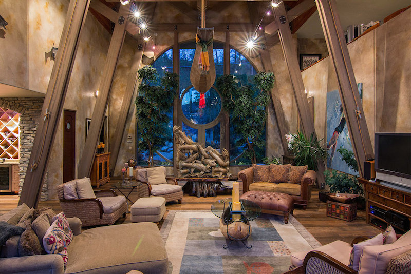Multi Million Dollar Lakes Property Infused With Nautical Vibrancy