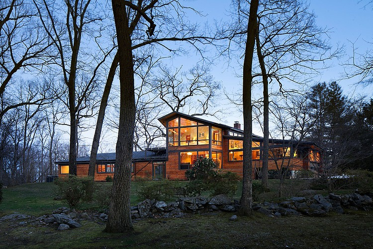 Contemporary Ranch Style Residence Inspiring a State of Well-Being