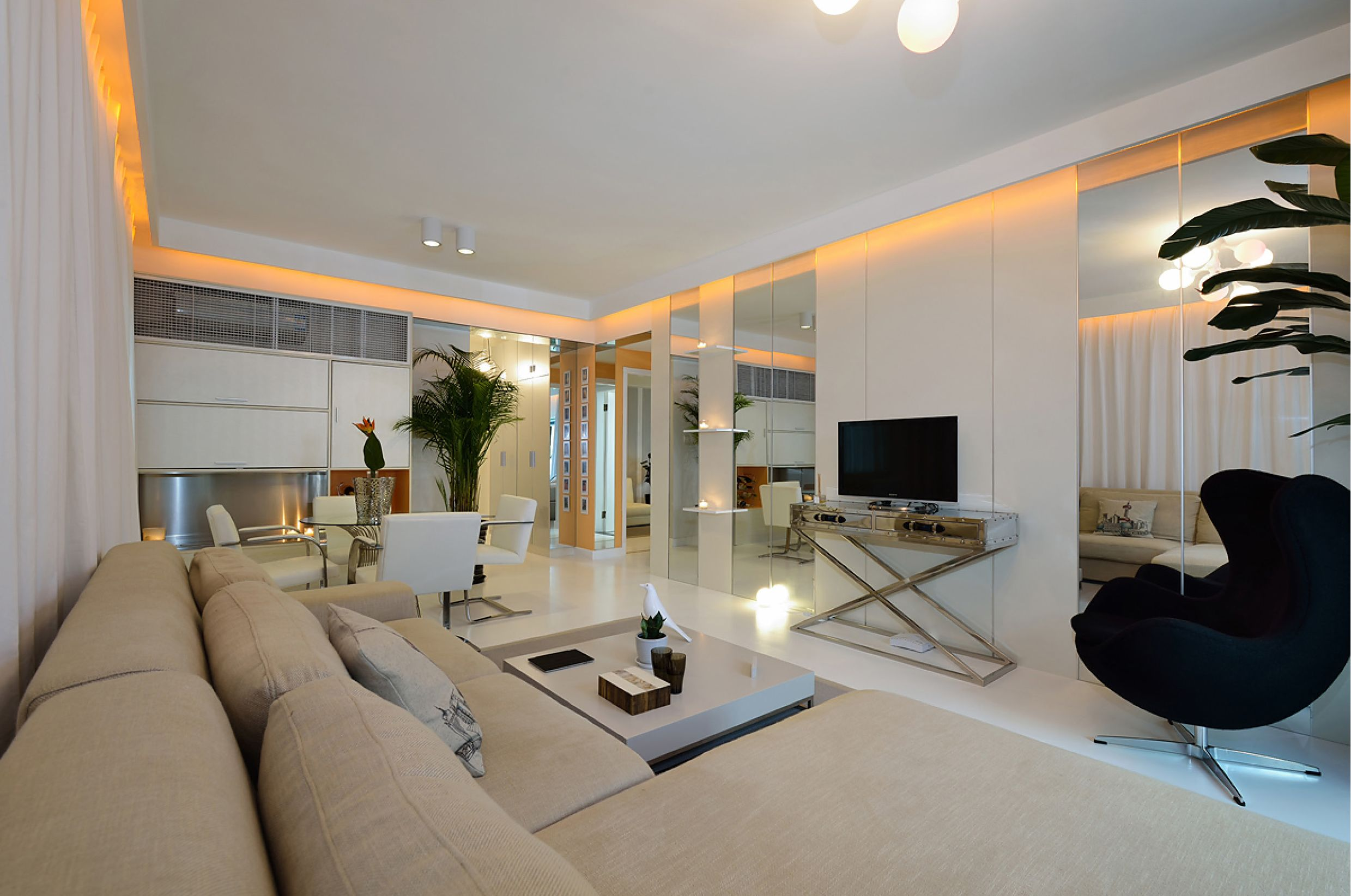 Cosmopolitan Shanghai Apartment Delivering A Fresh State