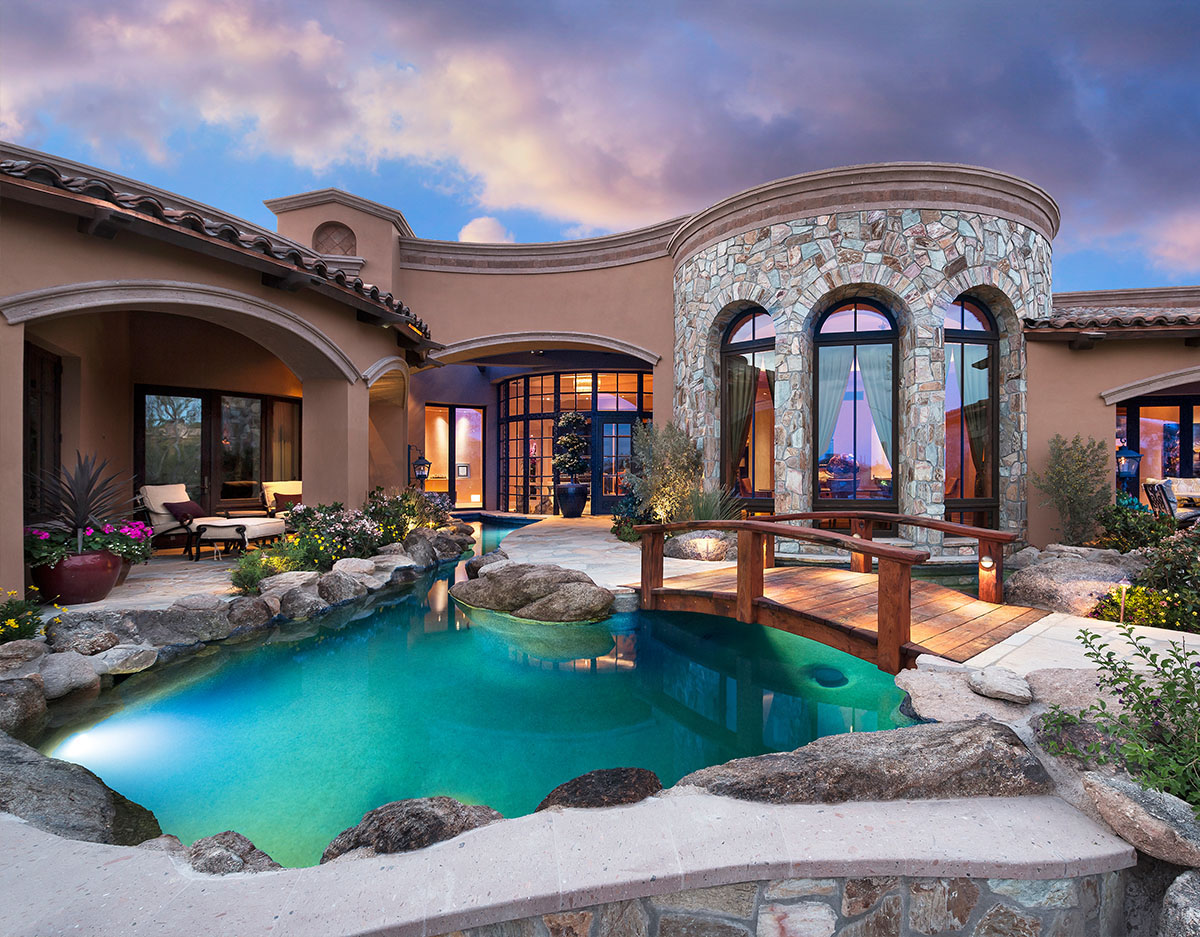 Remarkable Home Overlooking A Golf Course In Arizona Where Life Unravels Diffely