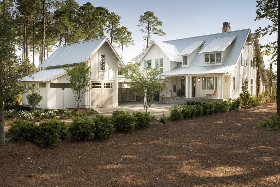 Exquisite South Carolina House Evoking A Traditional Coastal Style