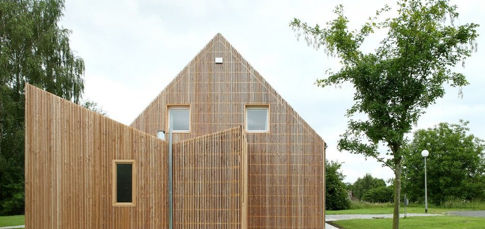 Striking Home Extension Creatively Enhancing a Pavilion-Type Residence in Belgium