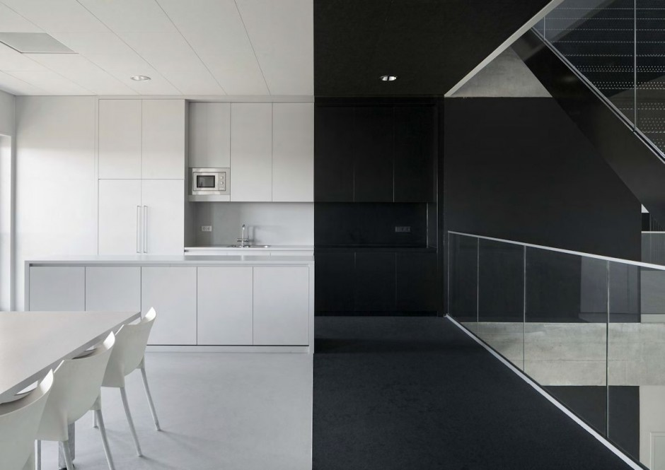 Black and white office design Small Collect This Idea Modern Office Design 7 Freshomecom Bold Industrial Office Design For Media Agency Freshomecom