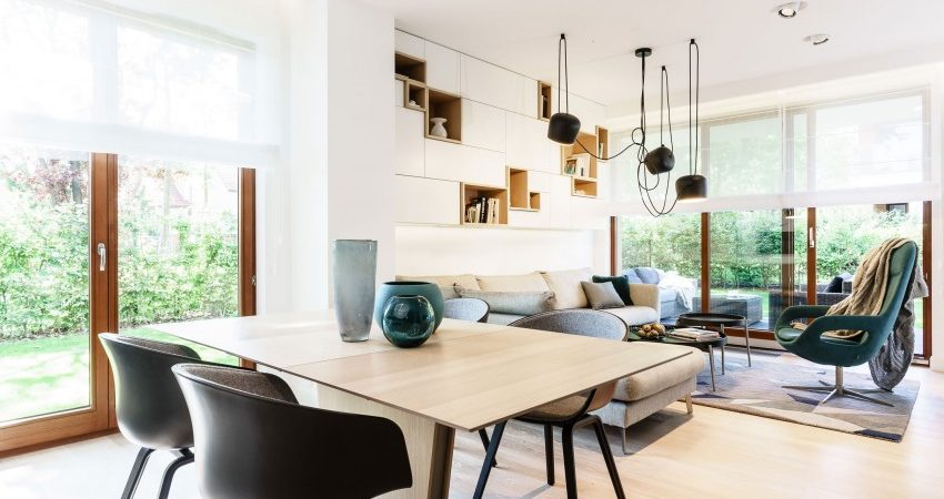 Visually Tempting Color Contrasts Displayed by Stylish Apartment in Poland