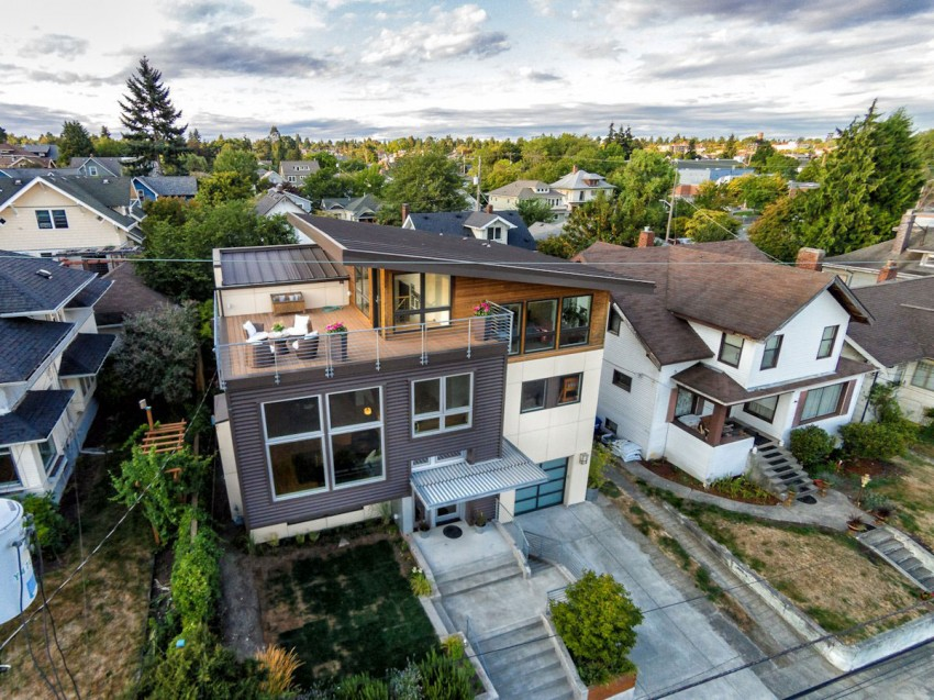 Contemporary Split Level House With Views Of Downtown