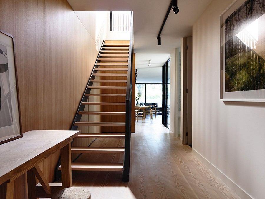 narrow house design cleverly adapted to its site in melbournecollect this idea modern residence (5)
