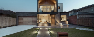 New Home Design in Australia Mirrors Neighboring Architecture