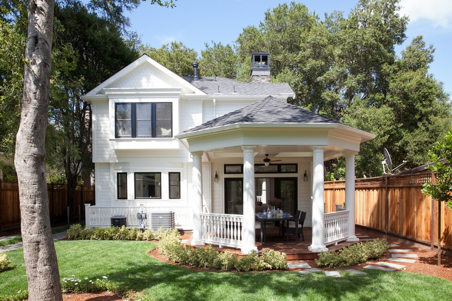 Enchanting Newly Built Edwardian-Style Home in California, USA [Video]
