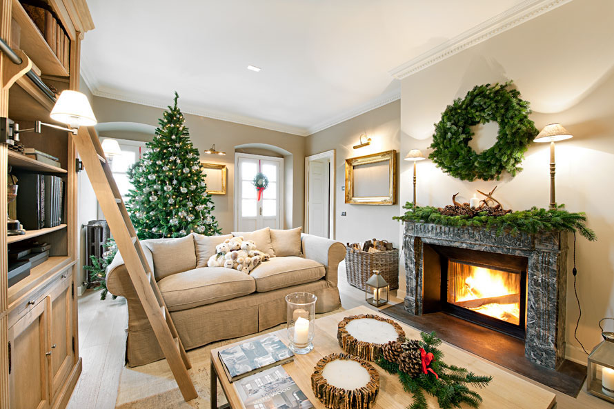 Modern Christmas Decorations for Inspiring Winter Holidays (10)