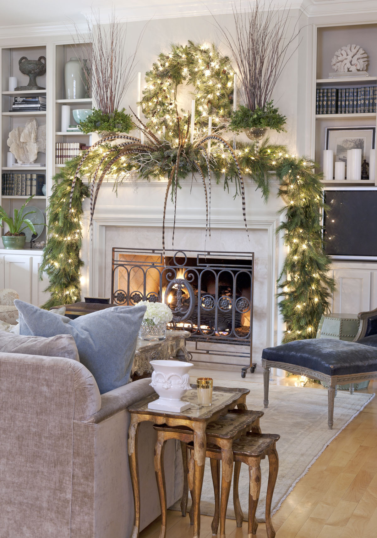 17 Christmas Living Rooms We Re Loving Freshome Com