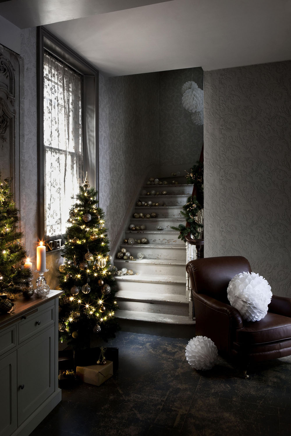 Modern Christmas Decorations for Inspiring Winter Holidays (27)