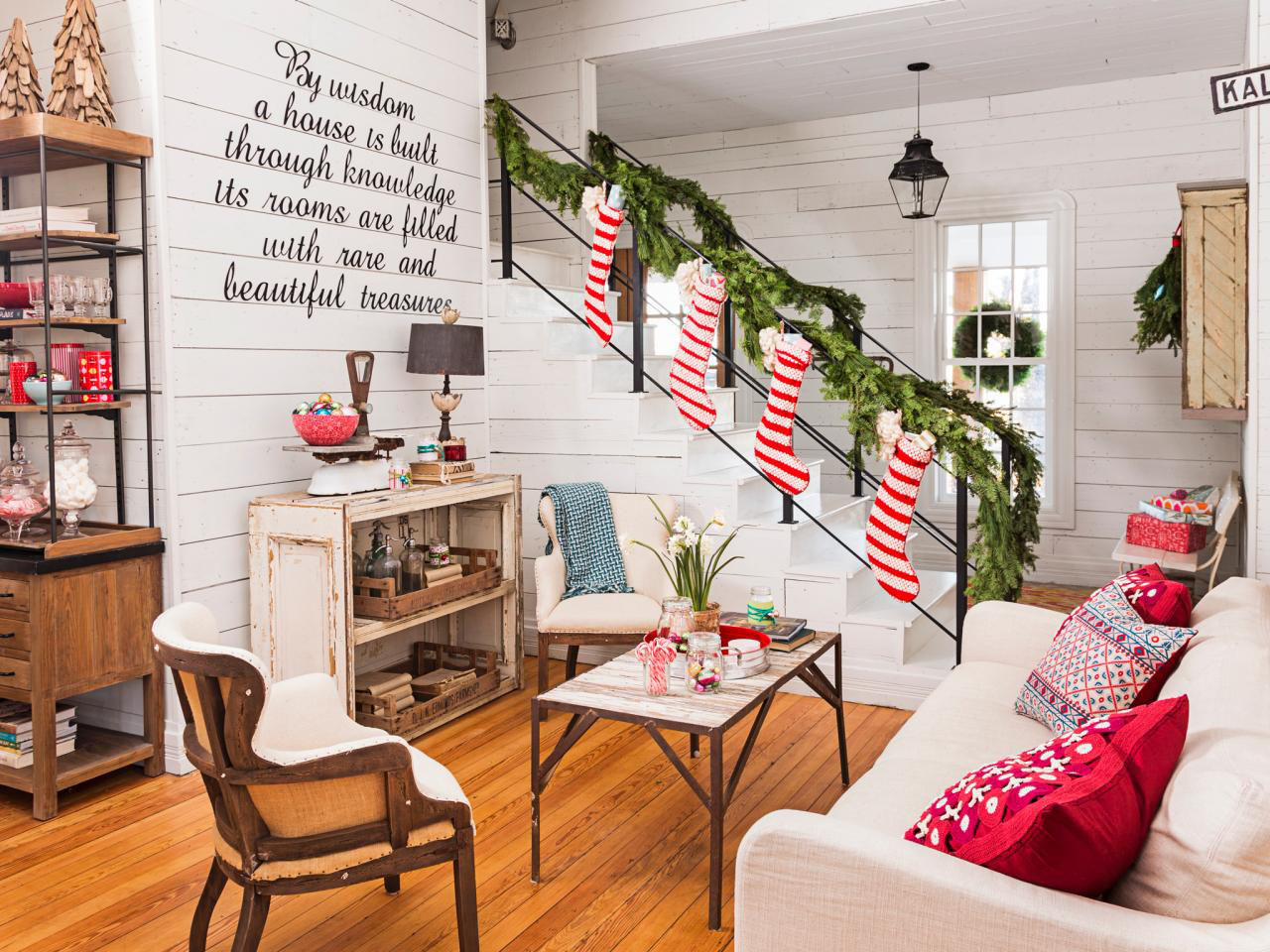 Modern Christmas Decorations for Inspiring Winter Holidays (29)