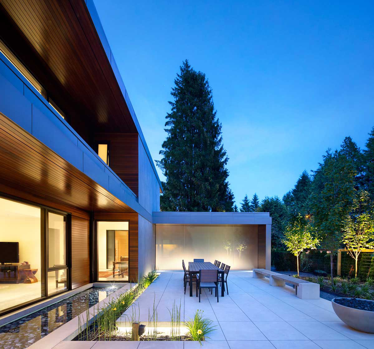 Contemporary Home Chilliwack By Randy Bens Architect: Exemplary H-Shaped Contemporary Family Home In Canada