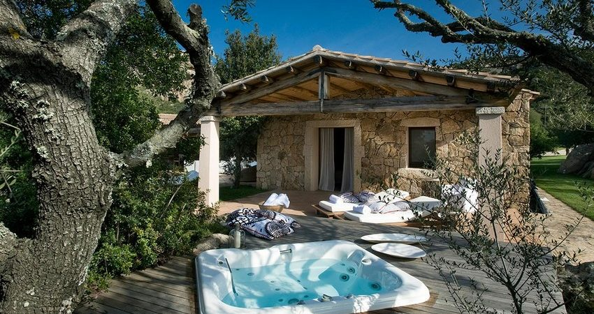 Holiday Vibes Inspired by the Charming Lo Stazzo Country House in Sardinia