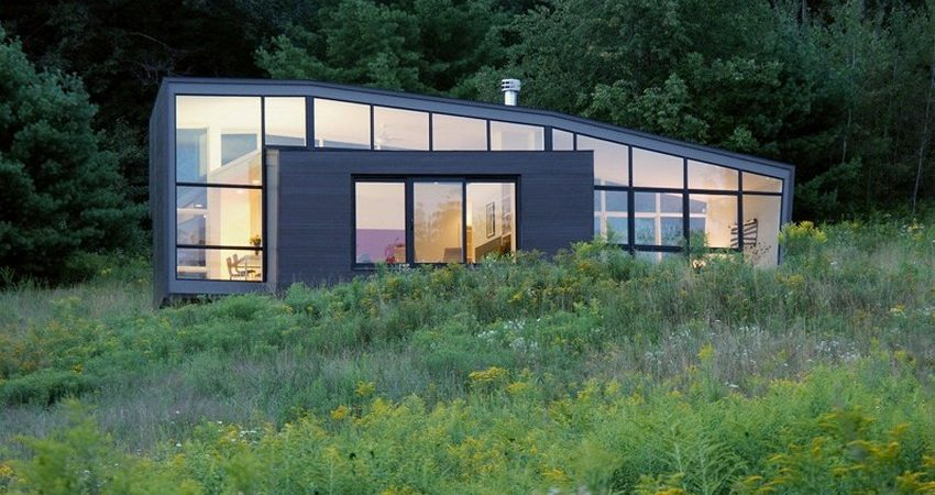 Small Weekend Retreat in New York State Mirroring the Berkshire Hills