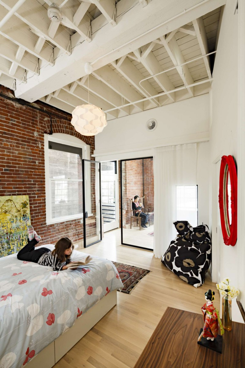 Modern Loft in Portland Embedding Multiple Lifestyles ...