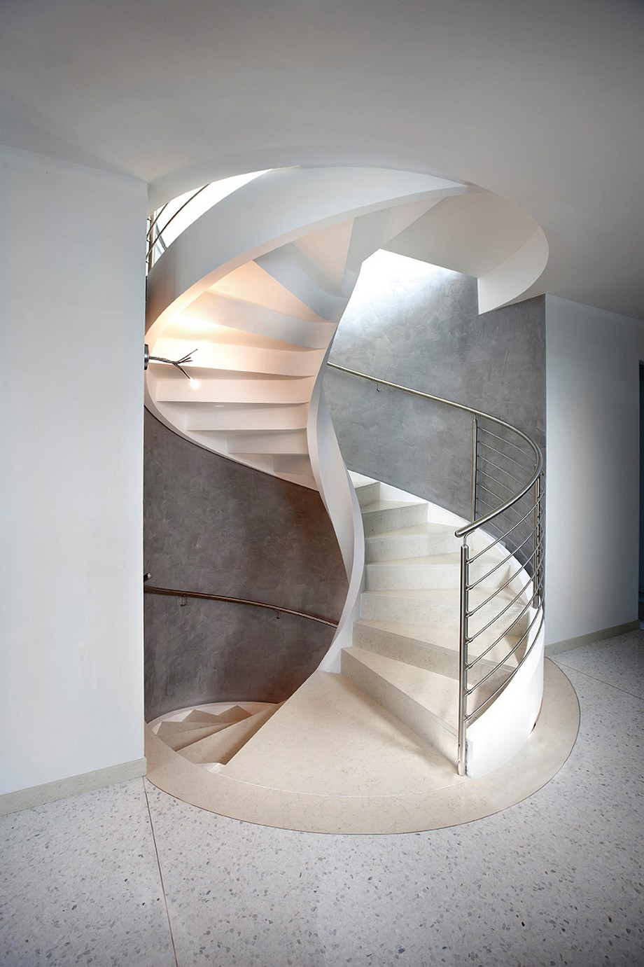 Refined Contemporary Design Self Supporting Spiral